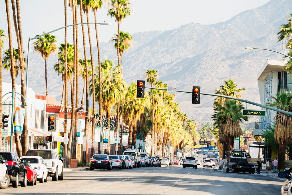 palm canyon drive shopping district in palm springs