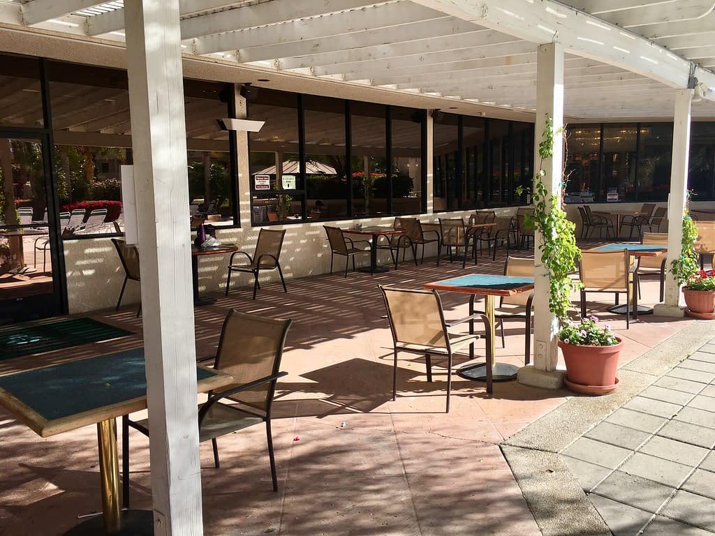 Patio dining at the Capri Italian Restaurant